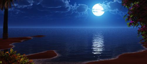 Oroscopo del giorno 16 luglio 2019 | Astrologia, classifica e previsioni: in arrivo la Luna piena in Capricorno