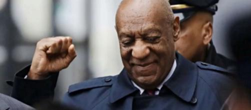 At 82 years old, Bill Cosby makes birthday statement to the public, catching many off-guard. - [Image source: Starwolfent TV / YouTube screencap]