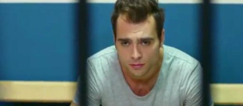 Bitter Sweet, trame puntata del 15-07: Deniz viene arrestato per rissa