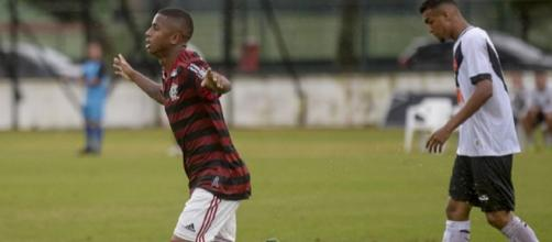 Jogador viaja para Campinas na segunda-feira, 15. (Divulgação/Marcelo Cortes/Flamengo)