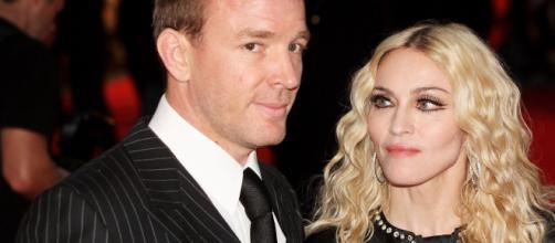 Madonna e Guy Ritchie se divorciaram após um casamento de oito anos. (Arquivo Blasting News)