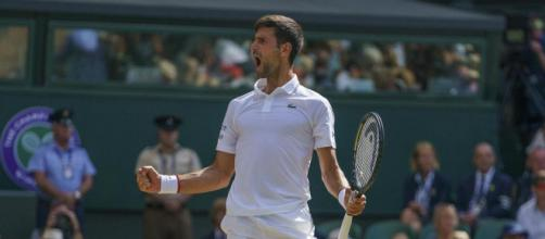 Novak Djokovic si conferma sul trono di Wimbledon, per lui quinto trionfo sull'erba londinese