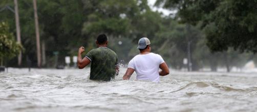 EEUU: el huracán Barry tocó tierra y se temen fuertes inundaciones. - apuntoenlinea.com