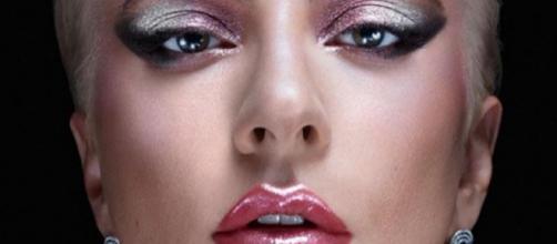Lady Gaga libera pré-vendas de marca própria de cosméticos. (Reprodução/Instagram/@ladygaga)