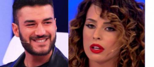 Uomini e Donne, Lorenzo elogia Claudia e punzecchia Sara: 'Per fortuna è andata così'