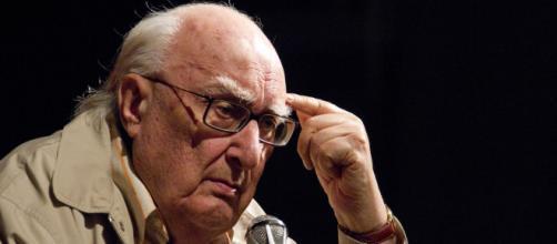 È morto Andrea Camilleri: lo scrittore aveva 93 anni