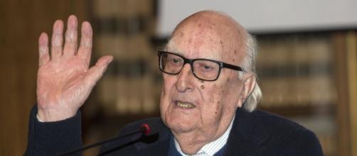 Morto Andrea Camilleri: lo scrittore siciliano aveva 93 anji