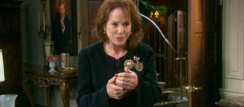 On Days of Our Lives, Vivian returns to town. [Image source: DOOL/Twitter verified account]