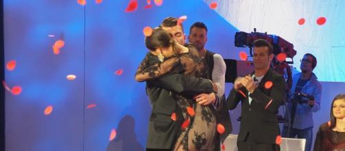 Uomini e Donne, Marco Fantini fa una sorpresa a Beatrice Valli in aeroporto