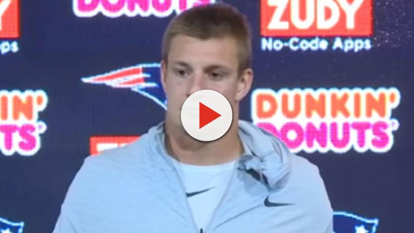 NFL analysts Rich Eisen, Cris Carter offer different views on Gronkowski's comeback