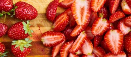 Los beneficios y propiedades de las fresas para la salud son numerosos