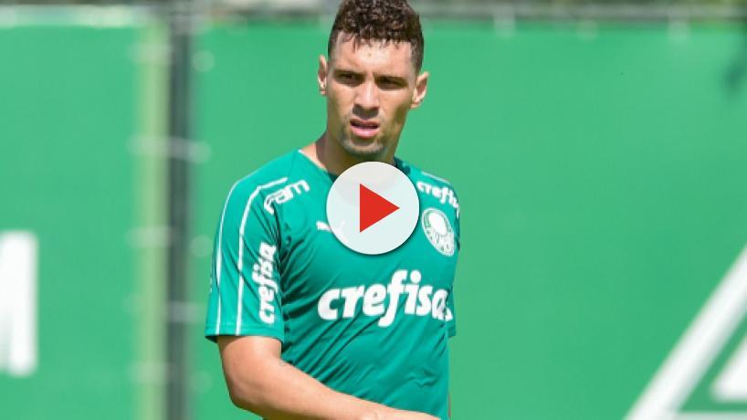 Pênalti perdido contra o Inter pode ter sido o último lance de Moisés no Palmeiras