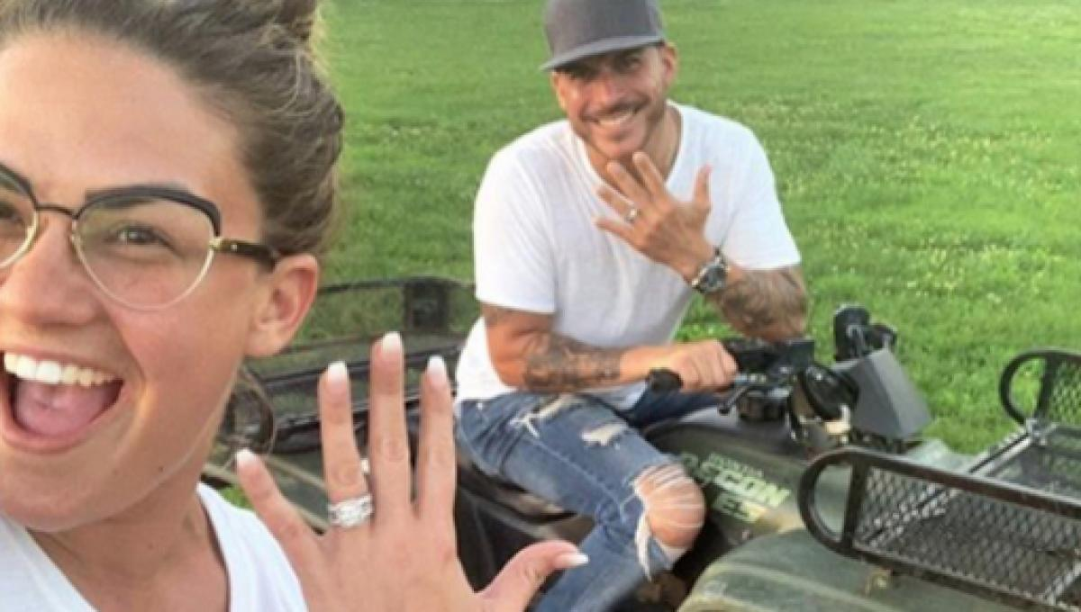 Vanderpump Rules Star Brittany Cartwright Shows Off Wedding Ring Costars Attend Wedding