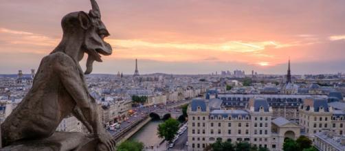 Esce oggi il nuovo libro di Ken Follett su Notre-Dame de Paris
