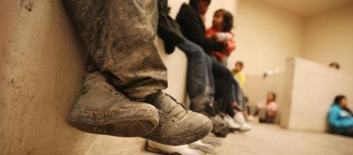Tres meses de encierro para dos menores acusados de violar a una joven