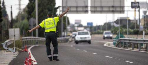 Guardia Civil y Policía grabarán a los conductores que podrían estar drogados.