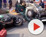 Calabria, motociclista si schianta contro auto e muore. (foto di repertorio)