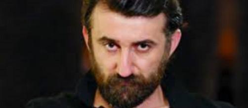 Bitter Sweet, spoiler puntate agosto: Asuman svela ad Hakan che Demet ha abortito