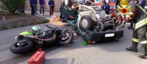 Tragedia in Calabria, motociclista si schianta contro un