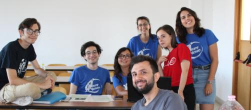 """Alcuni """"studenti-docenti"""" della nona edizione dell'Assistest '19, tra cui - il secondo da sinistra - Enrico Tornatore."""