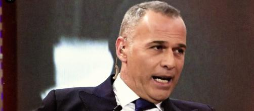"""Carlos Lozano afirma en """"Sábado Deluxe"""" que Isabel Pantoja es una prepotente"""