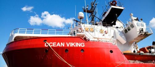 La nave delle Ong Ocean Viking sfida Matteo Salvini