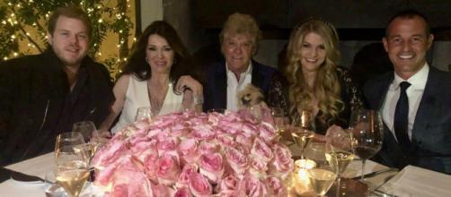 Lisa Vanderpump poses for a family pic. [Photo via Lisa Vanderpump/Twitter]