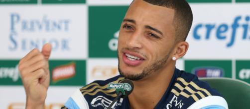 Palmeiras encaminha a volta de Vitor Hugo. (Divulgação/Cesar Greco/Ag. Palmeiras)