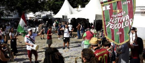 Sede das Laranjeiras lotada nos festejos de 117 anos do Fluminense. (Reprodução/Mailson Santana/fluminense.com.br)