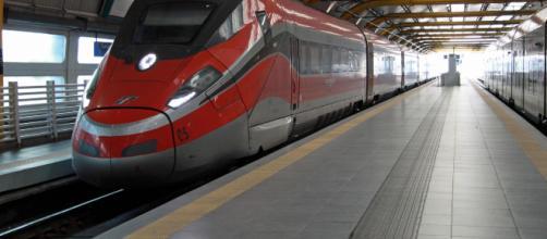 Treni, ritardi in tutta Italia a causa di un incendio sulla tratta Roma-Firenze