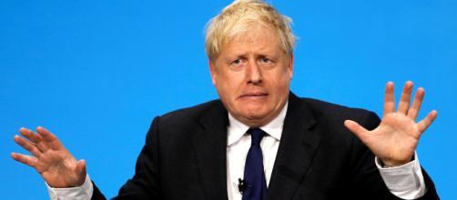 Boris Johnson organiza su gabinete en un día muy importante