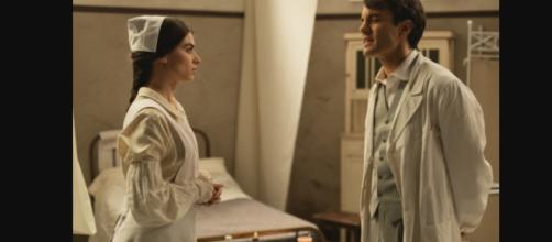 Elsa e Alvaro insieme all'ambulatorio