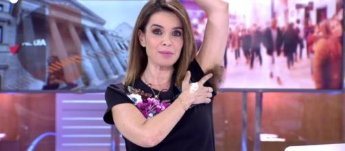 Carmen Chaparro apoya a Irene Montero mostrado su axila