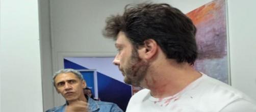 """Danilo Gentili é """"agredido"""" em brincadeira. (Divulgação/Instagram/diguinhocoruja)"""