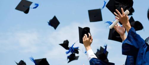 Troppo istruiti per l'Istat: quasi 2 milioni fanno un lavoro che richiede un titolo di studio inferiore.