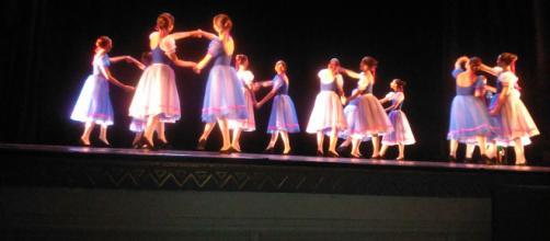 La danza es una reflejo cultural, del arte y de la música. - abucaman.org