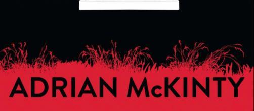 Una spietata catena di rapimenti al centro di The Chain, nuovo romanzo di Adrian McKinty