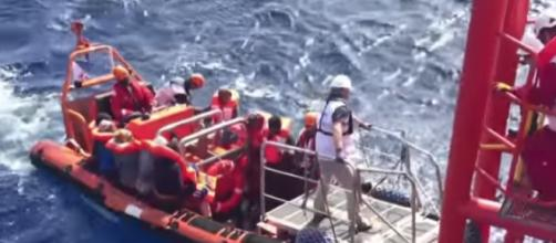 Refugee boat carrying hundreds capsizes off Libya coast. [Image source/Al Jazeera English YouTube video]