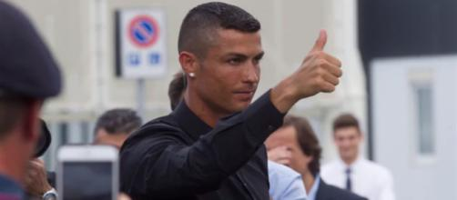 Cristiano Ronaldo sarebbe favorevole all'approdo di Neymar alla Juventus.