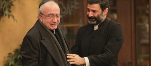 Il Segreto, trame: Don Anselmo affida la parrocchia a Berengario e lascia Puente Viejo