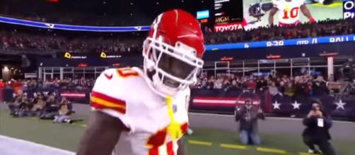 Tyreek Hill has been accused of bullying reporter. [Image via Hail Mary Highlights/YouTube]