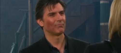 Vincent Irizarry joins cast of 'B&B,' as Dr. Jordan on August 26. [Images Source: Daytime Emmy Awards/YouTube]