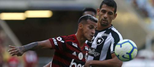 Diego Souza marcou para o Botafogo, mas não foi suficiente. (Reprodução/Vitor Silva/Botafogo)