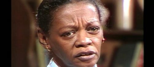 Milton Gonçalves lamenta a morte de Ruth de Souza. (Reprodução/ TV Globo)