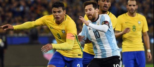 Brasil gana 2-0 a Argentina. / CNN