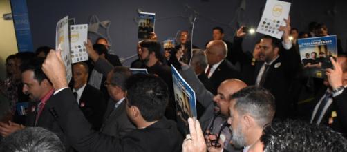 Policiais acusam Bolsonaro de traição durante protesto na Câmara. (Arquivo Blasting News)