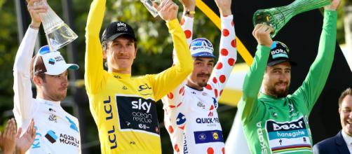 Tour de France, i vincitori delle maglie sul podio dei Campi Elisi