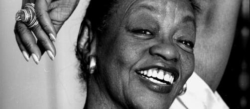 A atriz Ruth de Souza abriu caminhos para outros atores negros e potencializou a dramaturgia brasileira. (Arquivo Blasting News)