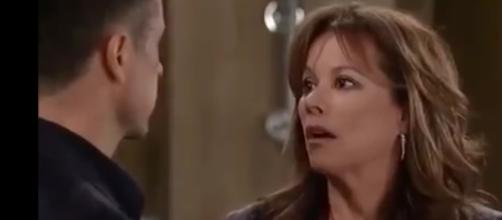 If Kim leaves Port Charles with Drew, Julian and Alexis May reunite.[Image Source: GH-YouTube]