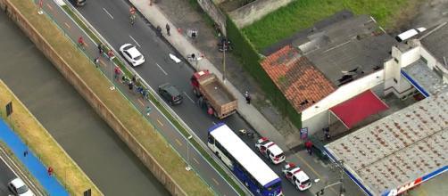 Acidente ocorreu perto de uma ciclovia. (Reprodução/TV Globo)